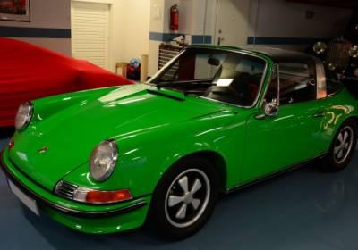 A Porsche 911S Targa 2.4